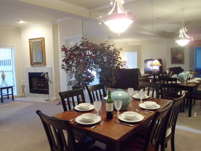 """Dinning area with seating for 6. - Sunset Paradise- 3BR2BA  3rd. Nt.""""Free""""-June - Osage Beach - rentals"""