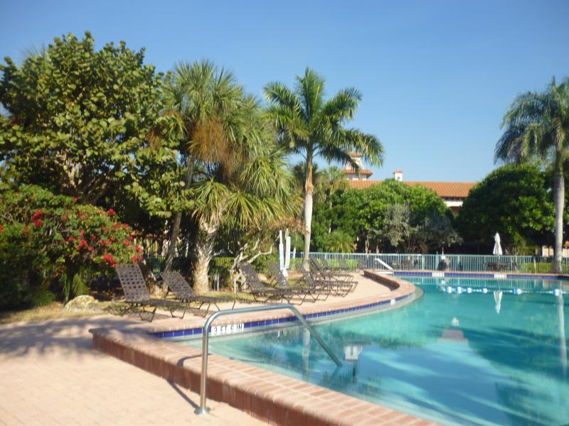 Florida Resort Condo with Heated Pool - Resort Condo In Naples with Marina and More! - Goodland - rentals
