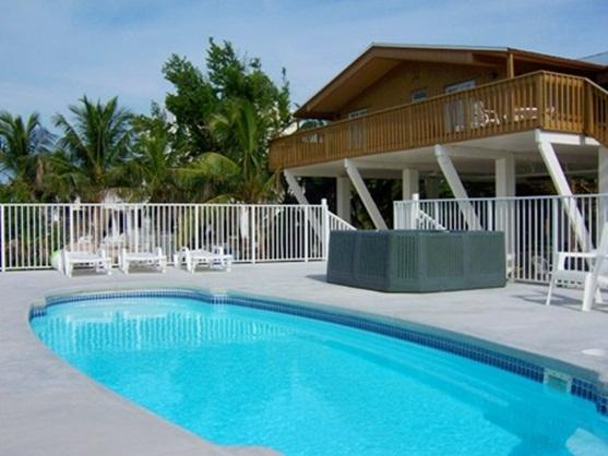 Watch the Dolphins From Your Waterfront Deck ! - Image 1 - Marathon - rentals