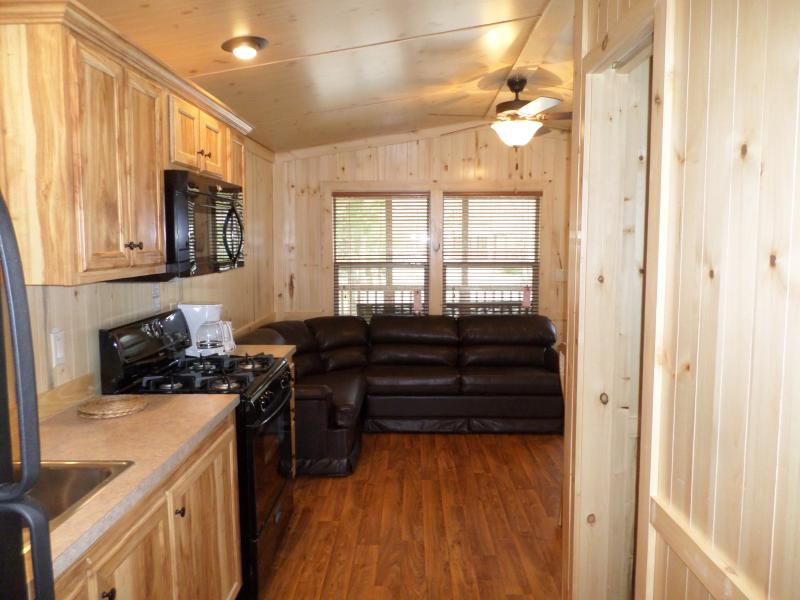 2 Bdrm Cottage on RV Resort in Geneva-on-the-Lake! - Image 1 - Geneva on the Lake - rentals