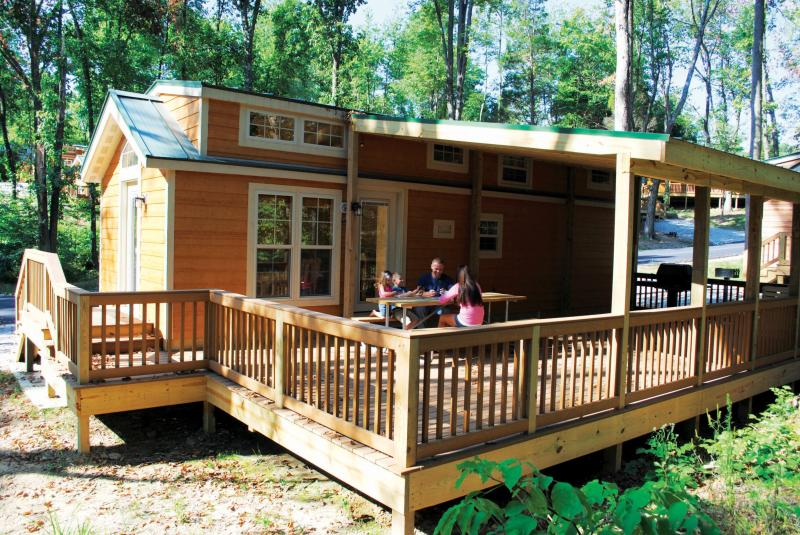 Christmas Cabin- Closest Lodging to Holiday World! - Image 1 - Santa Claus - rentals