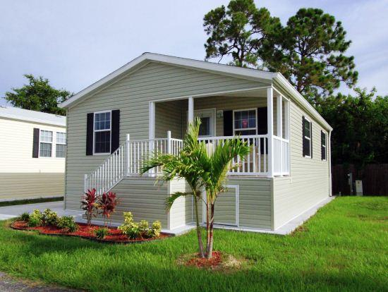 2 Bedroom Cottage in Indian Creek Resort, Fort Myers! - Image 1 - Fort Myers Beach - rentals