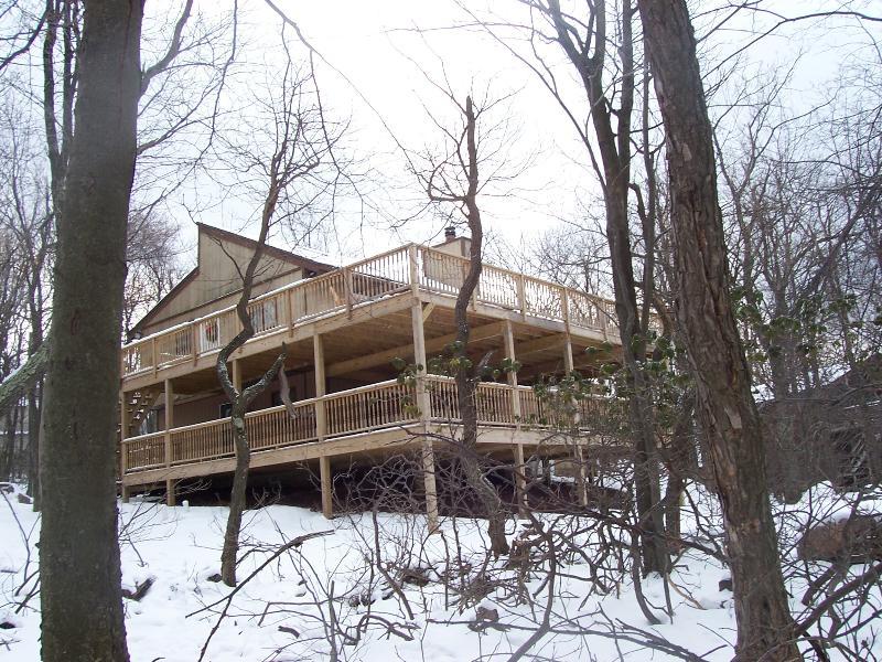 Pocono Mt View Lodge - Pocono Mt View Home Sleeps 12, Hot Tub, Pool Table - Lake Harmony - rentals