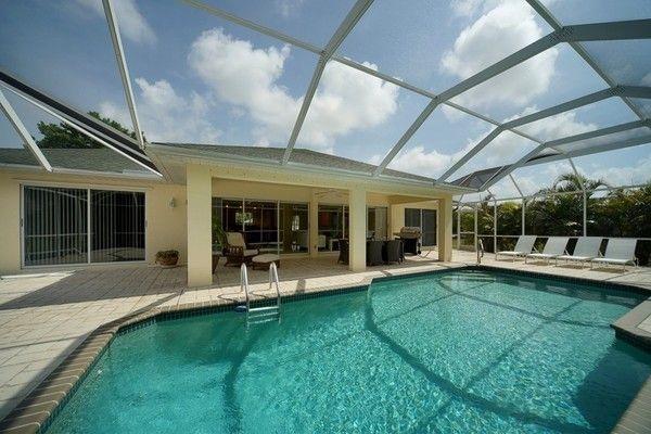Large pool area - Villa in a prime location near Cape Harbour - Cape Coral - rentals