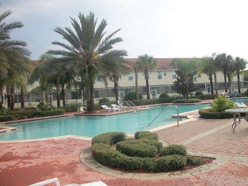 Community Pool - Town home in a gated community near Disney - Kissimmee - rentals