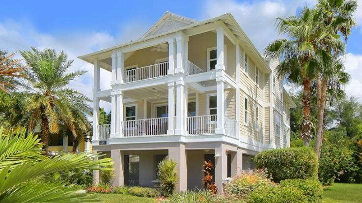 Luxurious Villa with Pool, Gourmet Kitchen & WiFi! - Image 1 - Longboat Key - rentals