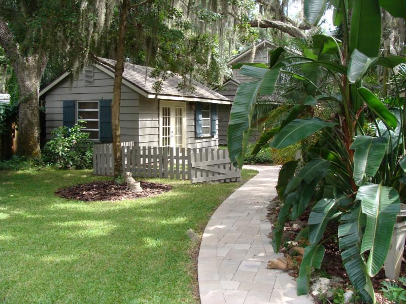 Braden River Bayou Cottage. - Braden River Bayou Studio  CottageSarasota/Bradenton FL - Bradenton - rentals