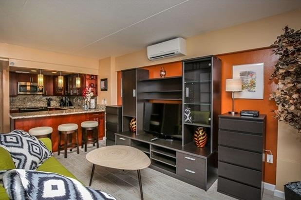 Waikiki Ilikai Hotel & Suites 815 2 Dbl Beds, Sofa - Image 1 - Waikiki - rentals