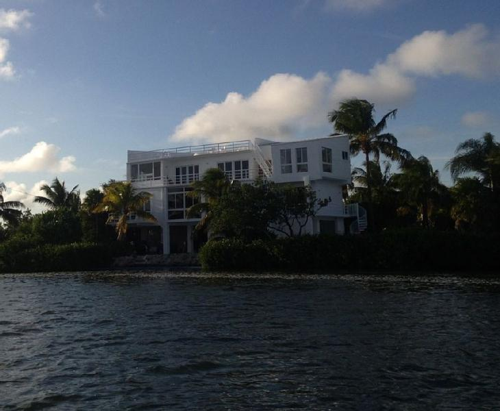 LUXURY * PANORAMIC OCEANFRONT * BOAT DOCK * - Image 1 - Cudjoe Key - rentals