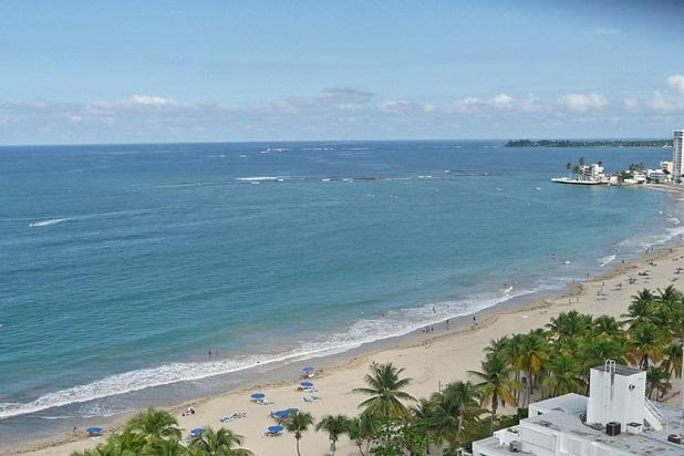 View from the balcony, Isla Verde Beach at your feet. - Overlooks Gorgeous Beach-Walk to Restaurants - Isla Verde - rentals