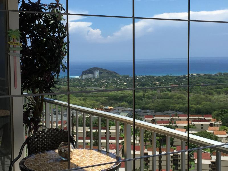 Stunning Views From This Private Large Lanai Of This 590 Sq Ft Studio Condo - Affordable Hi Floor Luxury / Large PRIVATE Lanai / Views / A/C - Makaha - rentals
