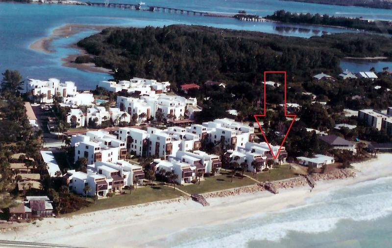 The red arrow points out where the unit is. You are right on the beach! - Direct Beach and Gulf Front 2 bedroom condo - Englewood - rentals