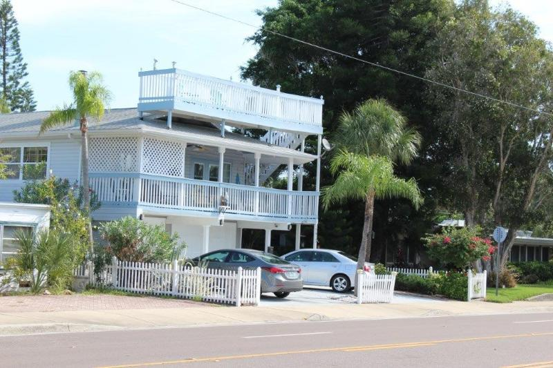 5 Star Beach House! Sleeps 14, Bikes, 2 Kitchens! - Image 1 - Redington Beach - rentals