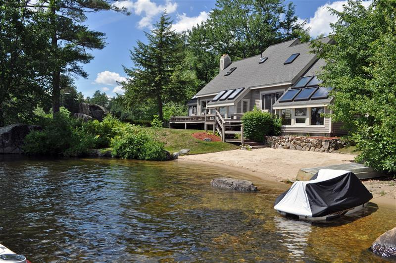 Winnipesaukee W/F with 4 BR, 3 BA & Sand Beach! - Image 1 - Moultonborough - rentals