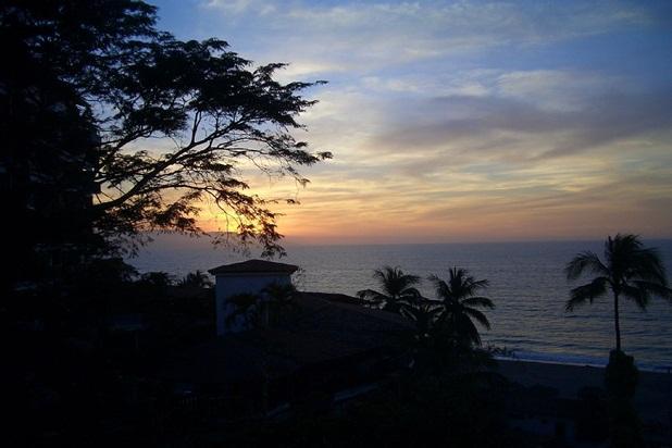 Los Muertos Beach, Amapas, Zona Romantico - Image 1 - Puerto Vallarta - rentals