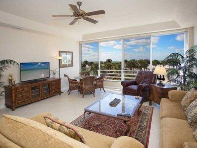 Enjoy the Gulf Breeze while relaxing in your comfortable family room - Gorgeous Condo directly on #1 Beach in USA - #111 - Siesta Key - rentals