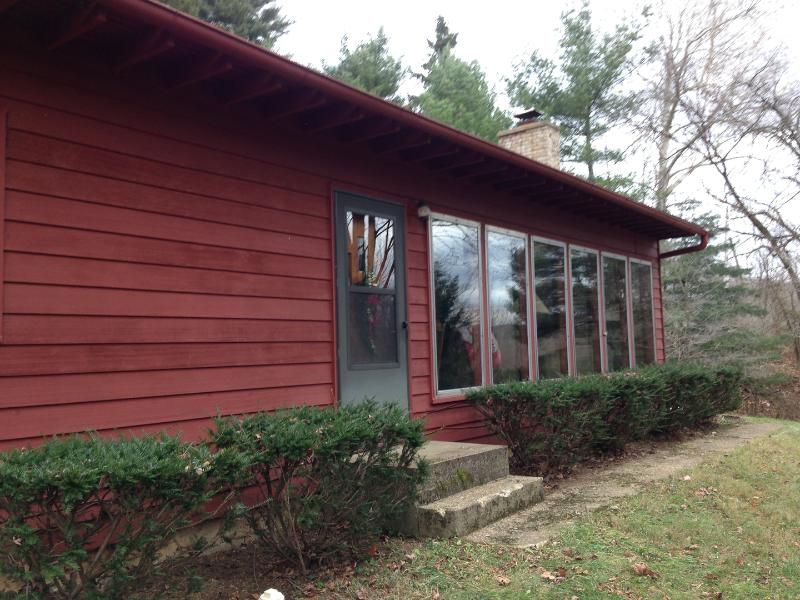 Red Cardinal Cottage Hocking Hills Ohio - Image 1 - Nelsonville - rentals