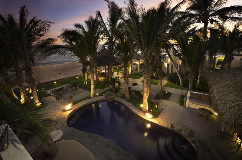 Private pool steps to the beach - Beachfront Private Home San Jose del Cabo - San Jose Del Cabo - rentals