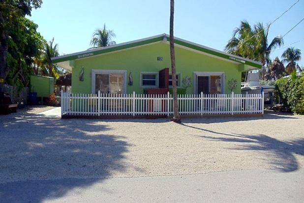 Beautiful 2 Bedroom Duck Key Duplex - Image 1 - Duck Key - rentals