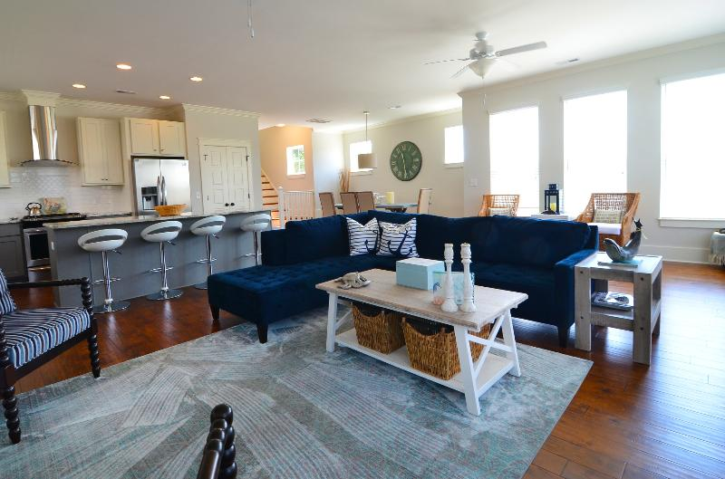OPEN FLOOR PLAN - Anchor Down -Luxury 5 Bedroom House-Private Pool - Kure Beach - rentals