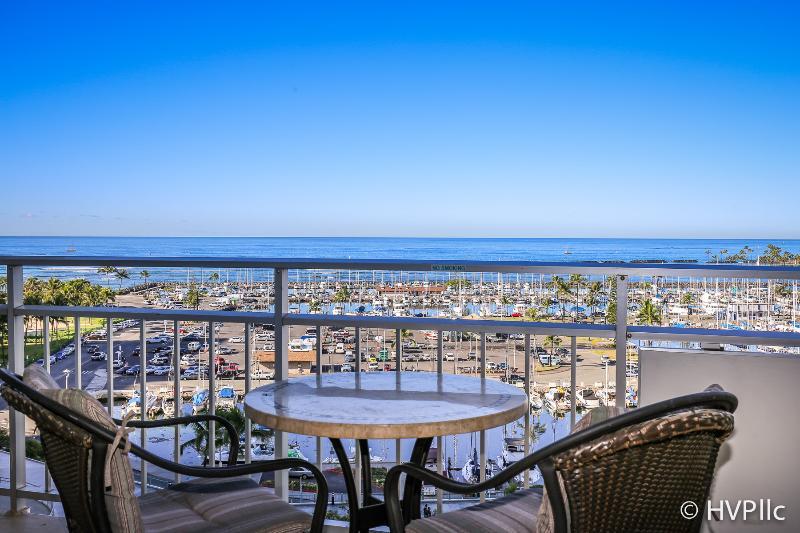 Waikiki Ilikai 908 Ocean / Sunset / Marina Views - Image 1 - Waikiki - rentals