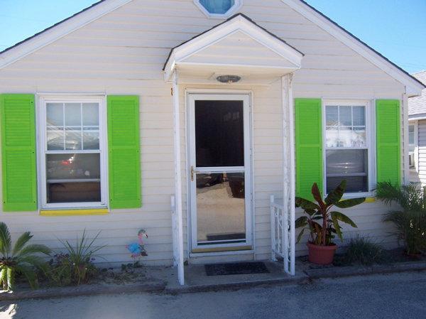 Sleeps 6, 1/2 Block from Beach, Entrance at top of Street, Pet Friendly - Cottage Ocean Block - Seaside Park - rentals