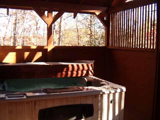Large HOT TUB for relaxing on your vacation - Faith log cabin with free Wi-Fi close to Dollywood - Pigeon Forge - rentals