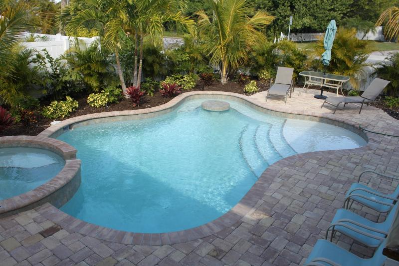Beautiful 3 bedroom home  179 nightly till May 25 - Image 1 - Holmes Beach - rentals