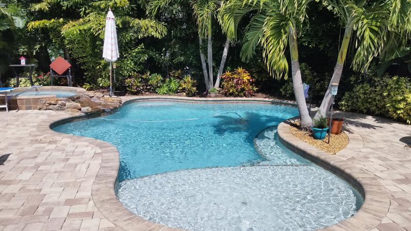 225 NIGHTLY UNTIL THE END OF 2016, SLEEPS 8, POOL - Image 1 - Holmes Beach - rentals