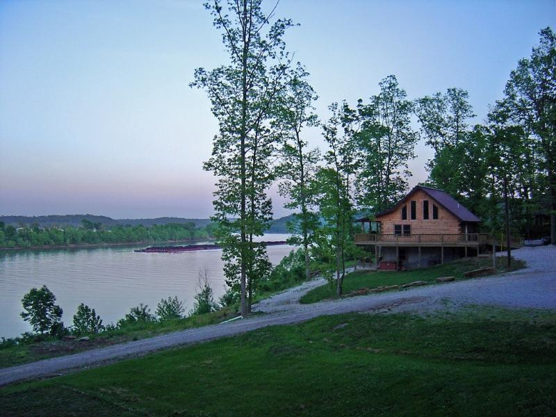 The Rivers Edge-Perfect Place to Bring Your Family - Image 1 - Magnet - rentals