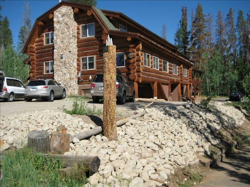 Our Lodge sleeps 40+ - Authentic Log Lodge 12 BR * Reunions*Church - Silverthorne - rentals
