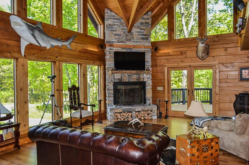 Log Cabin on The Ky Bourbon Trail w/ Heated Pool! - Image 1 - Pleasureville - rentals