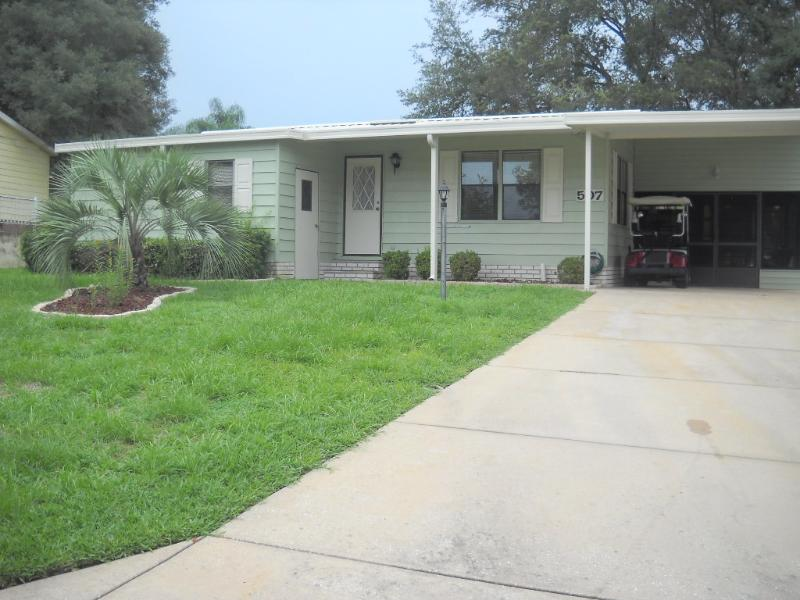 Wonderfull 2/2 with Lanai and outside Patio - Image 1 - The Villages - rentals