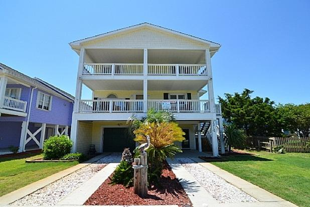 5 BEDROOM HOUSE WITH PRIVATE POOL & FENCED YARD - A Shore Thing HOUSE WITH PRIVATE POOL 8/27 REDUCED - Kure Beach - rentals