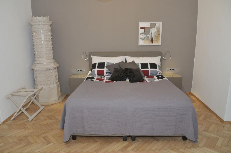 CITYdeLIGHTS: Luxury stay next to the city hall - Image 1 - Graz - rentals