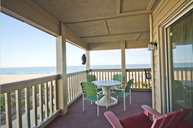 Penthouse with huge wrap around porch! DIRECT OCEANFRONT which is rare here! - Direct Oceanfront Penthouse! 3BR! Exquisite Views! - Tybee Island - rentals