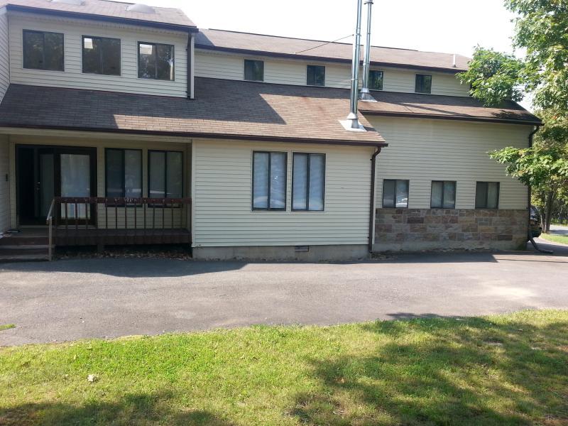 Pocono Home Rental - Image 1 - Long Pond - rentals