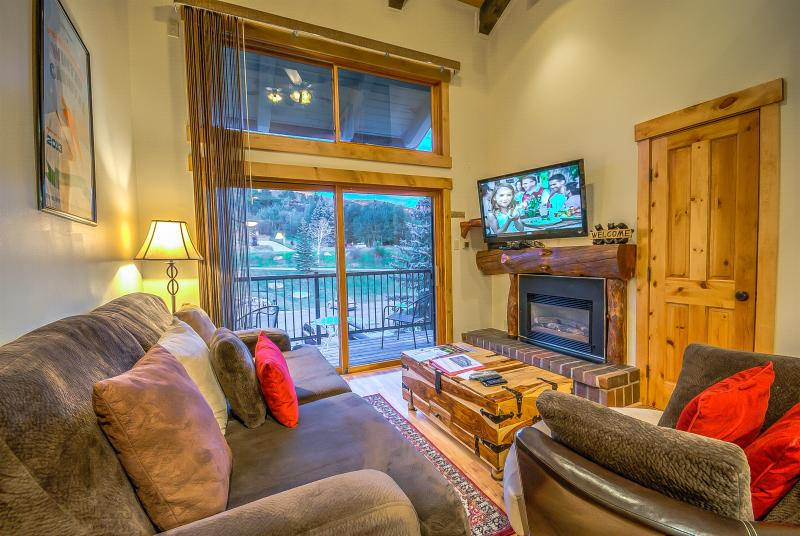Great Unit, Mountain Views, Close to the Slopes - Image 1 - Steamboat Springs - rentals