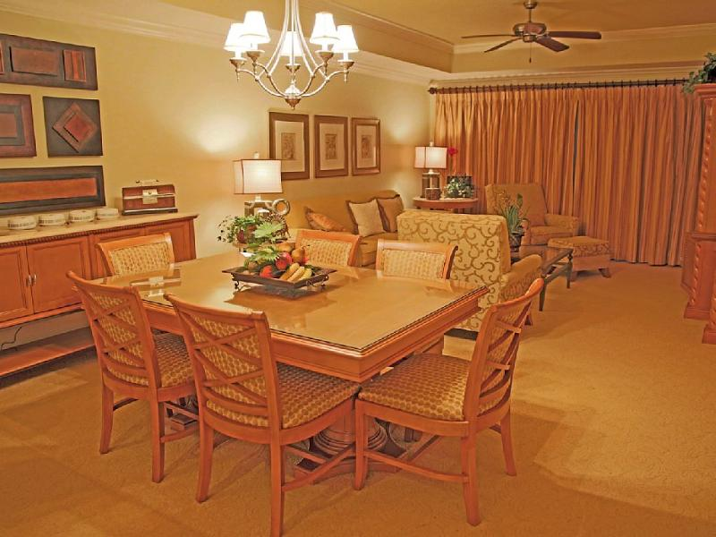 Dining Area - Reunion Resort - the Only 7 Star Facility - Reunion - rentals