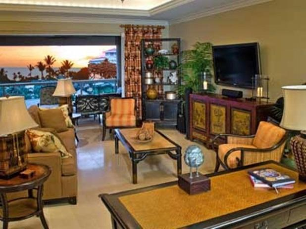 Great room with sitting area, entertainment center, desk, and ocean views - Hoolei Ocean View Close to Beach & Pool Sleeps 10 - Kihei - rentals
