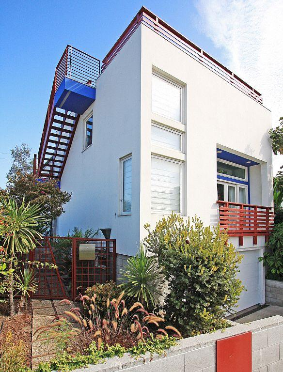 Unbelievable Location -  1 Block to Beach! - Image 1 - Santa Monica - rentals