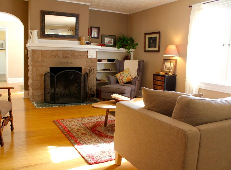 Cozy, Bright Living Room with Fireplace - Classy Bungalow in Most Desirable Neighborhood - Kalispell - rentals