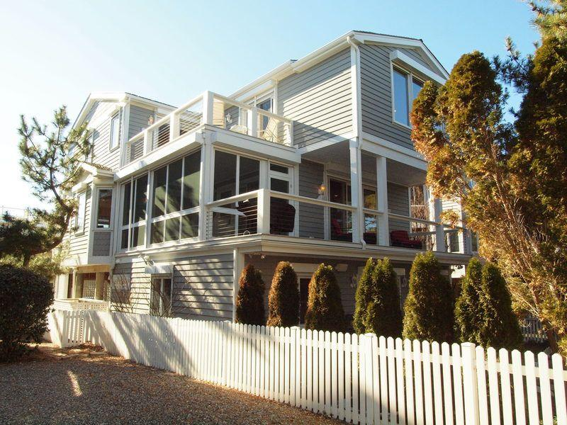 Ocean Block w/ Views Pet Friendly Rental Sleeps 16 - Image 1 - Rehoboth Beach - rentals
