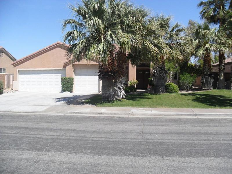 Palm Springs Private Pool, Spa, 4 Bedrooms - Image 1 - Rancho Cucamonga - rentals