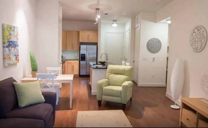 Retreat - Bars, Shops  Restaurants! - Image 1 - Houston - rentals