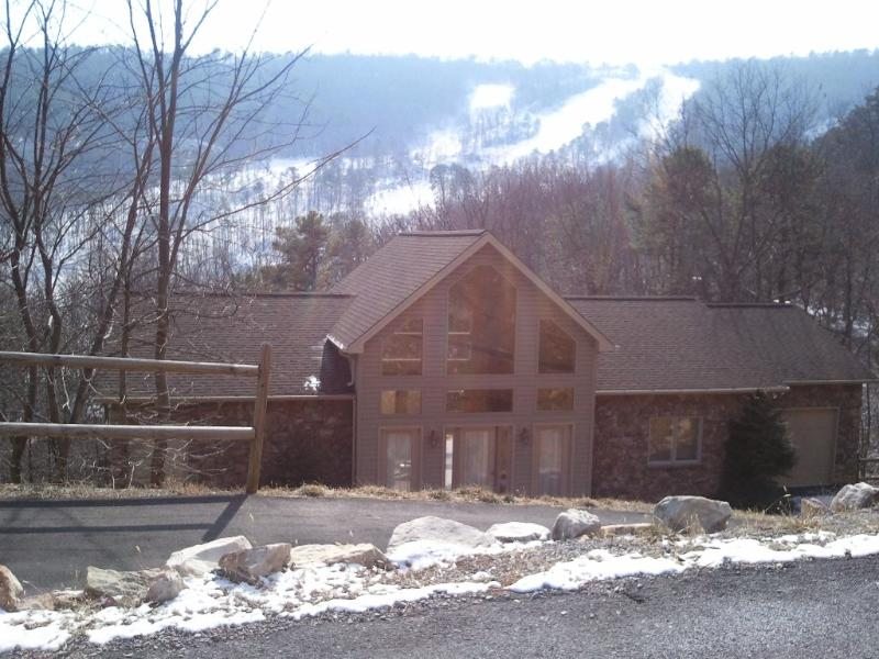 In the Heart of the Slopes, Pool Table,Wi-Fi - Image 1 - Massanutten - rentals