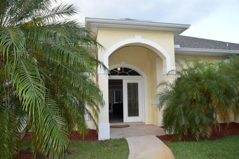 Steps from Club Med Sandpiper Bay - Your 5 Bedroom Home w/ Private Pool, Hot Tub - Live Large (Inexpensively!) Steps from Club Med - Port Saint Lucie - rentals