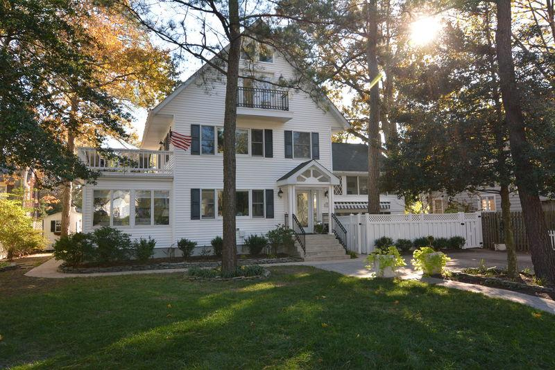 Welcome to New Castle St! Just 1.5 Blocks to the Beach. - Affordable 8BR Home JUST 1.5 Blocks to the Beach! - Rehoboth Beach - rentals