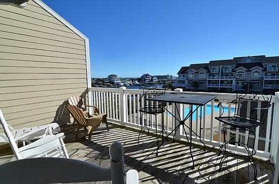 DECK OFF MASTER SUITE - Mane Sail - Gorgeous 3 BR -Boat Slip & Pool !! - Carolina Beach - rentals