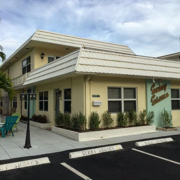 Sunny Shores - Across St from OCEAN! - Image 1 - Lauderdale by the Sea - rentals